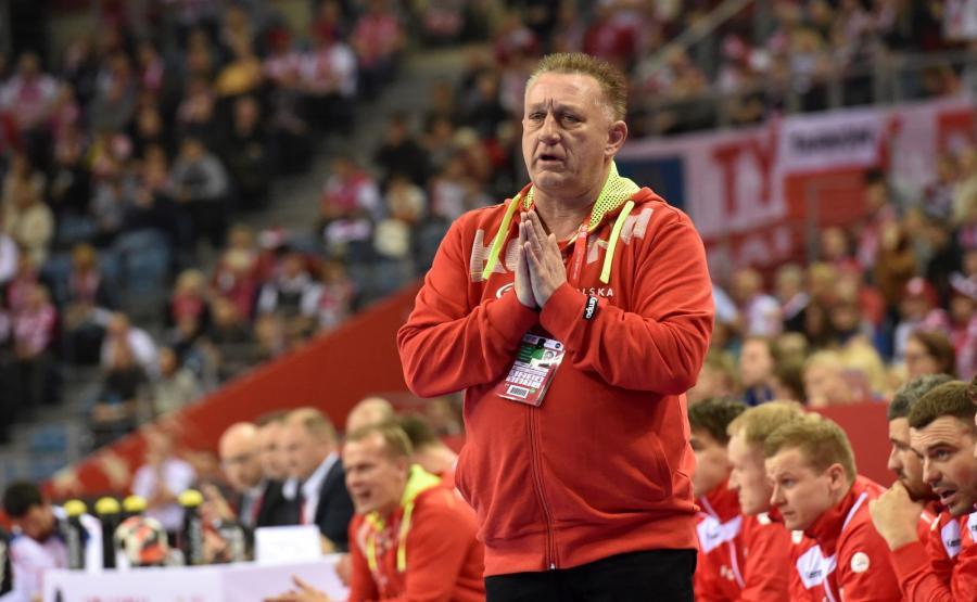 Trener reprezentacji Polski Michael Biegler podczas meczu grupy A mistrzostw Europy piłkarzy ręcznych z Serbią