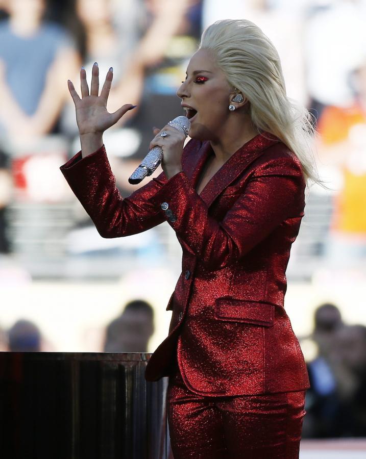 Lady Gaga zaśpiewała na Super Bowl 2016
