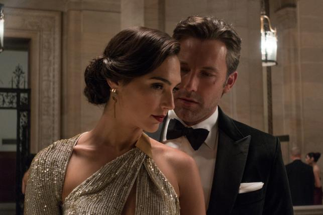 """Ben Affleck i Gal Gadot w filmie """"Batman v Superman"""""""