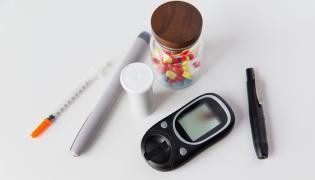 Leki i glukometr dla cukrzyka