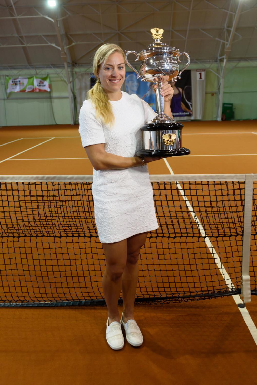 Angelique Kerber zaprezentowała swój puchar z turnieju Australian Open w Centrum Tenisowym w Puszczykowie