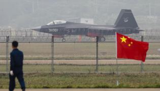 Chiński supermyśliwiec J-31