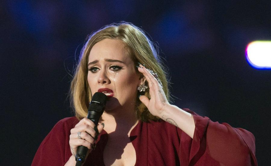 Adele wzruszona w czasie koncertu