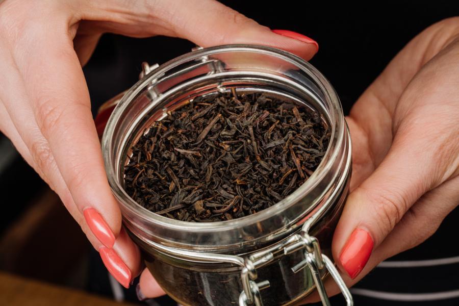 Czarna, zielona, biała, czerwona - różne gatunki herbat