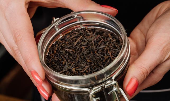 Kolorowa herbata - czym się różnią poszczególne gatunki?
