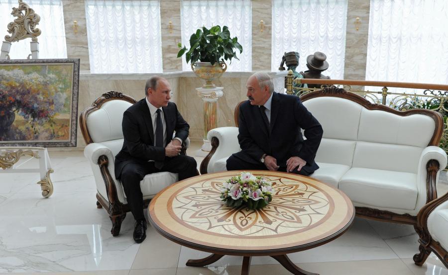 Aleksandr Łukaszenka przyjmuje Władimira Putina w Mińsku