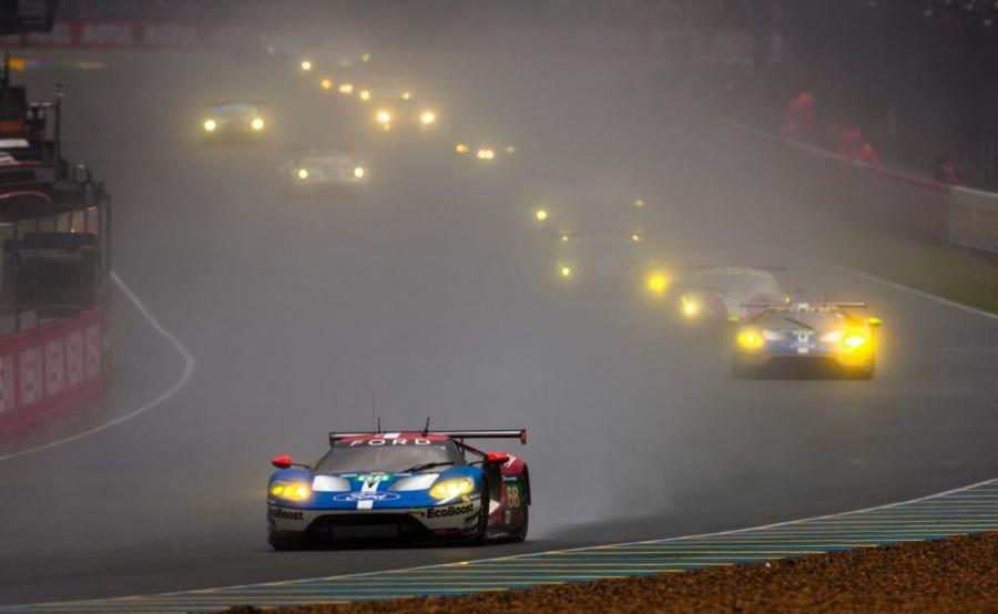Pozostałe trzy fordy GT w 24-godzinnym wyścigu w Le Mans swojej klasie finiszowały jako trzeci, czwarty i dziewiąty