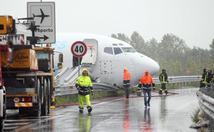 Boeing wjechał na obwodnicę
