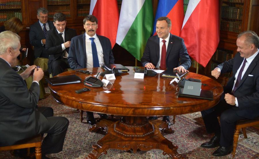 Prezydenci: Polski - Andrzej Duda (2P), Słowacji - Andrej Kiska (P), Węgier - Janos Ader (3P) i Czech - Milos Zeman