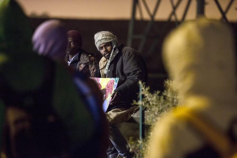 """Likwidacja obozowiska migrantów w Calais, zwanego """"dżunglą"""""""