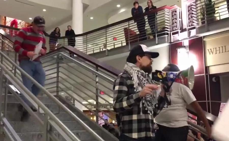 Przeciwnik Donalda Trumpa został zaatakowany