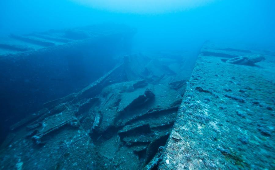 Wrak zatopionego okrętu