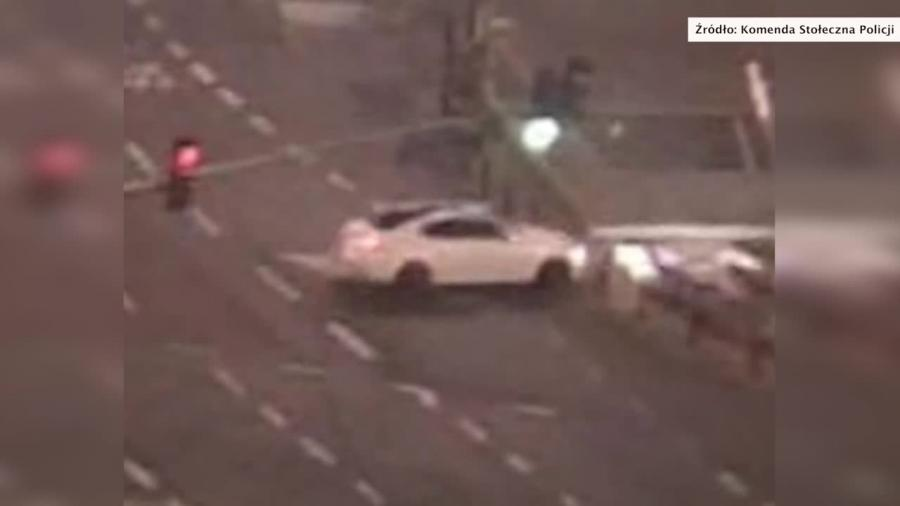Nastolatka rozbiła samochód w centrum Warszawy