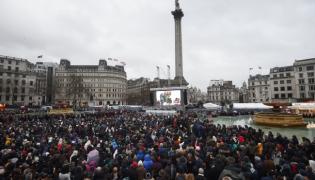 """Pokaz filmu """"Klient"""" Asghara Frahadiego w Londynie na Trafalgar Square"""