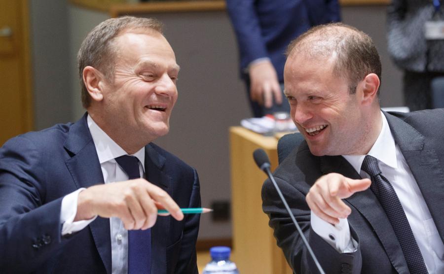 Szef Rady Europejskiej Donald Tusk i premier Malty Joseph Muscat
